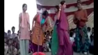getlinkyoutube.com-Nautanki, stage program desi dancing(2)