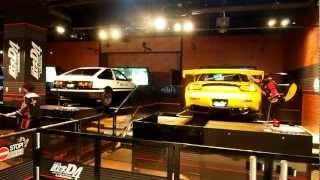 getlinkyoutube.com-Initial D 4th Stage - Arcade With Real Cars Odaiba Japan