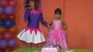 getlinkyoutube.com-Muñequitas XYZ  Piñata Demo Goodfellas Producciones