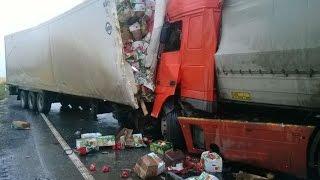 getlinkyoutube.com-Car accident car crash compilation 2014 part 125