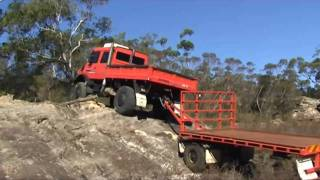 getlinkyoutube.com-Unimog and trailer rock climbing in Southern Highlands