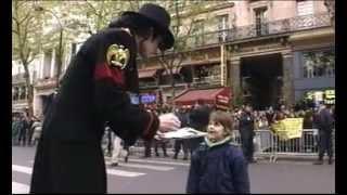 getlinkyoutube.com-Inauguration de Michael Jackson à Grévin le 19 avril 1997