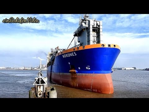Click to view video pipe burying vessel NORDNES PHOG IMO 9229910 BJ 2001 haul Grand Emden Sealock Schleusung