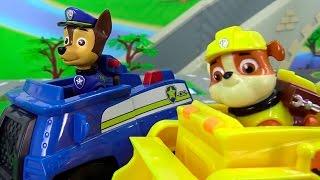 getlinkyoutube.com-Щенячий патруль мультик из игрушек. Авария на дороге. Ремонтируем машины.