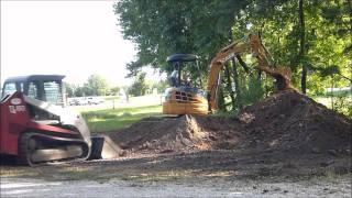 getlinkyoutube.com-Takeuchi TL150 and Case Mini Excavator Working