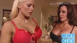 Top 10 Hottest WWE Diva Kisses