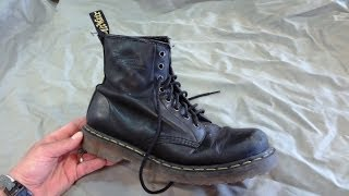 getlinkyoutube.com-HOW TO CLEAN DR MARTENS LEATHER BOOTS