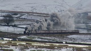 getlinkyoutube.com-LMS 46233 battles over Shap in the snow on the Winter Cumbrian Mountain Express 31/1/15.