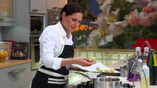 getlinkyoutube.com-Choumicha : Croquettes de pomme de terre aux viandes | شميشة : أصابع مقرمشة بالدجاج