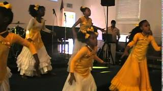 getlinkyoutube.com-Praise Dancers