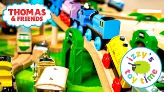 getlinkyoutube.com-Thomas and Friends | NEW RARE THOMAS TRAIN and Sodor Airship Hangar | Toy Trains for Kids