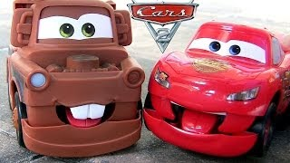 getlinkyoutube.com-Cars Funny Talkers Mater and Lightning McQueen Disney Pixar Talking Baby Toys by ToyCollector