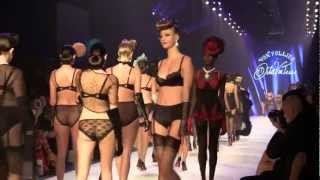 getlinkyoutube.com-Dita von teese  von Follies L'Oreal mebourne fashion show