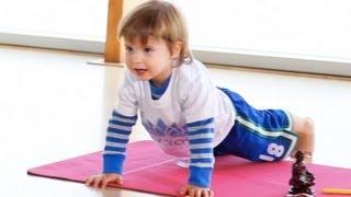 getlinkyoutube.com-2 Year Old Yoga Teacher