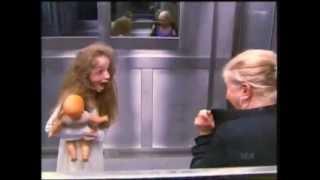 getlinkyoutube.com-Розыгрыш! Страшный прикол в лифте ...