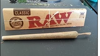 getlinkyoutube.com-learn how to roll a joint in 3 minutes [POV - 420Guide]