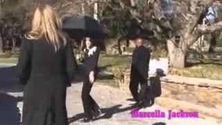getlinkyoutube.com-Michael Jackson Special Neverland Crhistmas Party  2004