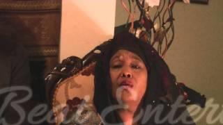 getlinkyoutube.com-MAMA NUKRUUMA OO U MAHAD CELINAYSA SHACABKA SOMAALIYEED