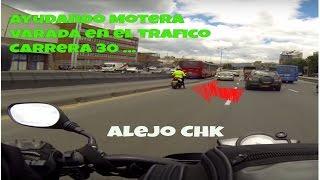 getlinkyoutube.com-Ayudando motera varada en el trafico -  Avenida Cra 30 Bogotá - Akt Nkd VER HD