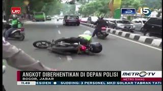 getlinkyoutube.com-LUCU Banget!!! Nyopet Pas Di Depan Polisi, Pencopet Ini Sempat Jatuh Saat Digiring