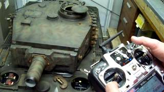 getlinkyoutube.com-WW2 HEAVY TIGER 1 TANK,1/4TH SCALE MARK 1 R C TANK