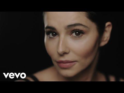 Love Made Me Do It En Español de Cheryl Cole Letra y Video