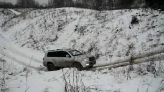 getlinkyoutube.com-Toyota Land Cruiser 200 & Land Rover Discovery 3