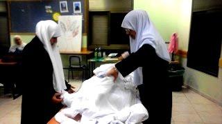 getlinkyoutube.com-قصة مرعبة عن الغيبة والنميمة يظهر اثرها على امرأة سعودية اثناء تغسيلها