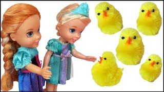 getlinkyoutube.com-CHICKS ! Elsa & Anna toddlers - Animal CHASE ! -  Collecting Chicken's Eggs - Someone Falls in Pond