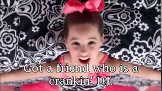 getlinkyoutube.com-Mack Z (Mackenzie Ziegler)- It's A Girl Party Music Video with Lyrics