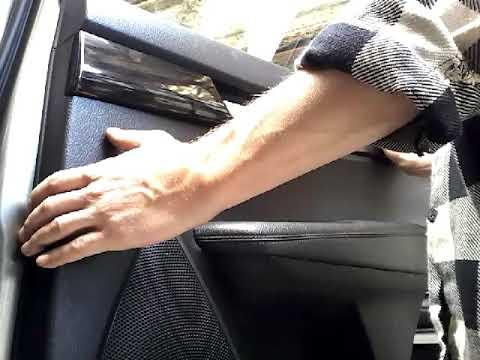 Как снять обшивку карту задней двери KIA SORENTO(2010)demontaz boczka drzwi tyl/door panel removal