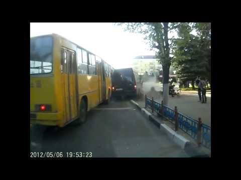 Подборка аварий на дорогах за Апрель 2013 (Soulfacker)(5)
