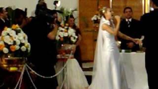 getlinkyoutube.com-Casamento Geisme e Ricardo - Noiva canta -  Soube que me amava - Aline Barros
