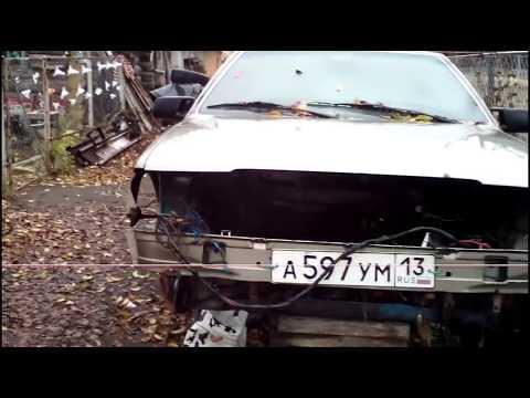 Ремонт Lancia Tema из металлолома. Поднимаю машинку с колен. Перебираю переднюю подвеску и тормоза.