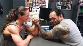 getlinkyoutube.com-Mixed Arm Wrestling Tiny Vs. The Beast XD