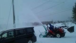getlinkyoutube.com-小さなトラクターで除雪してみた!