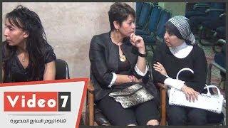 getlinkyoutube.com-بالفيديو.. لقاء الخميسى ودنيا عبد العزيز وغادة الشريف فى عزاء الفنانة فايزة كمال