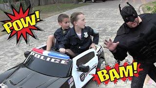 getlinkyoutube.com-Kid Heroes 5 - Cops With Their Police Car Teach Evil Batman A Lesson For Stealing