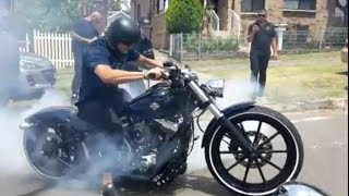 getlinkyoutube.com-Harley Davidson Breakout Softail FXSB Extreme Burnout