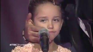 getlinkyoutube.com-الطفلة سيلين ولحظة بكاء نانسى كاملة The Voice Kids l 2015
