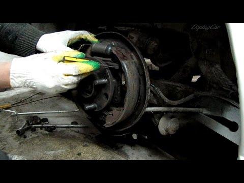 Как настроить задние тормозные колодки, чтоб тормозили одновременно в Ford