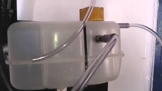 getlinkyoutube.com-Ligação de mangueiras no  gerador de hidrogênio para carros