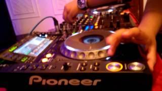 DJ AKKI  AFTER PARTY L'OREAL FASHION SHOW