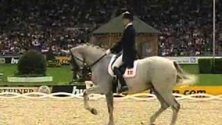 getlinkyoutube.com-Hip Hop Dressage