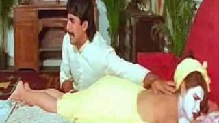 getlinkyoutube.com-Mamta Kulkarni Back Massage in Towel - Sabse Bada Khiladi (1995)