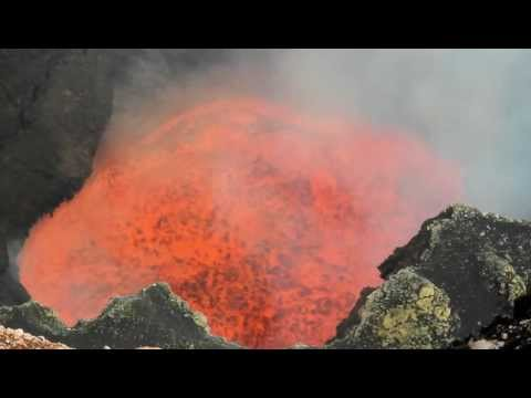 Eruption du Volcan Marum - Ambrym Island - VANUATU 2012 - Volcano Expedition to the Lava Lake