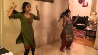 getlinkyoutube.com-Nagada Sang Dhol Dance Steps