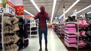 getlinkyoutube.com-The Amazing Spiderman In Walmart! (REAL LIFE)
