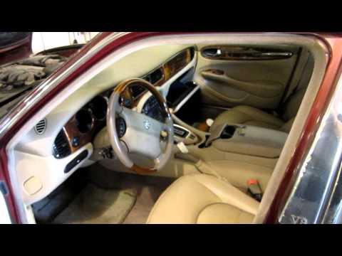 Parting out a 1998 Jaguar Vanden Plas 110401