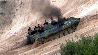 getlinkyoutube.com-Tanks offroading - BVP 1, T-72